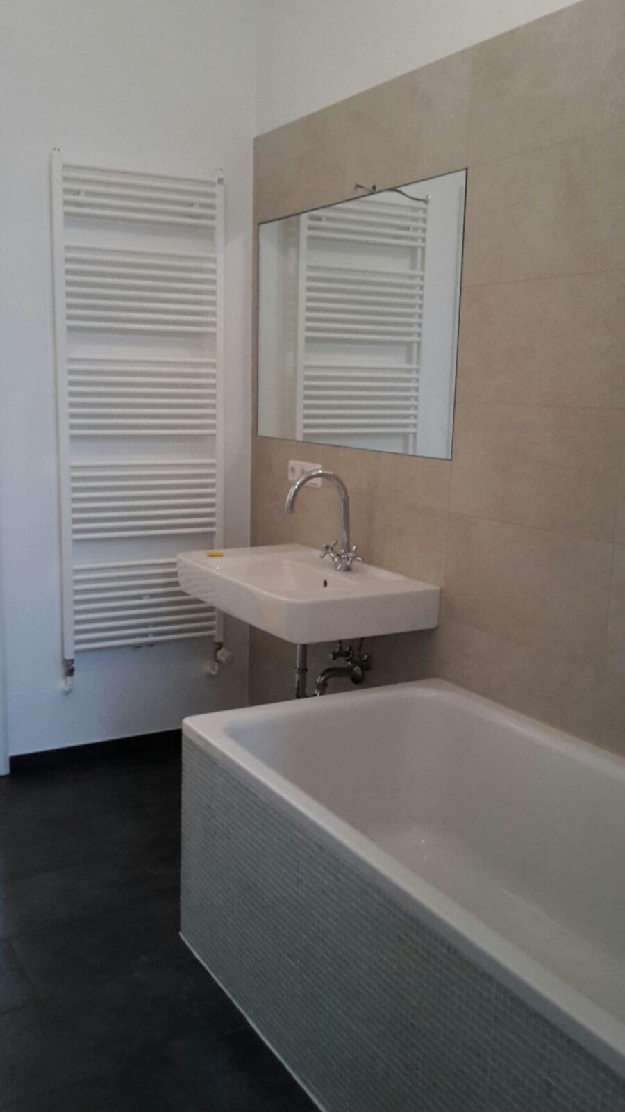 k che und badsanierung fliesenleger berlin professionell und effizient. Black Bedroom Furniture Sets. Home Design Ideas