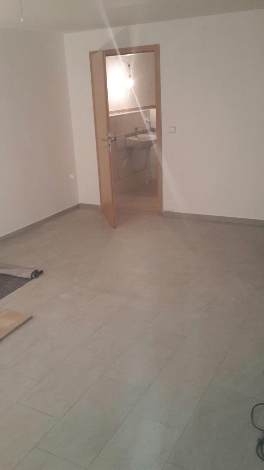fliesen und mehr fliesenleger berlin professionell und effizient. Black Bedroom Furniture Sets. Home Design Ideas